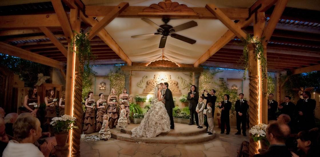 The Hacienda Santa Ana Is A Beautiful Wedding Venue In Orange County This Site Features Photography Of Award Winning Photographer Jason Lanier